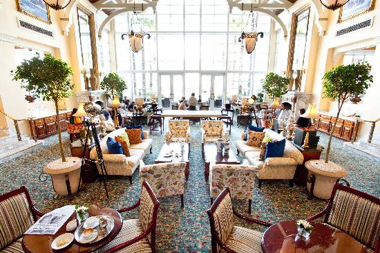 High tea picture of the table bay hotel cape town for Table bay hotel quay 6