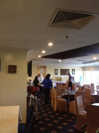 Ariva Gateway Kuching: breakfast