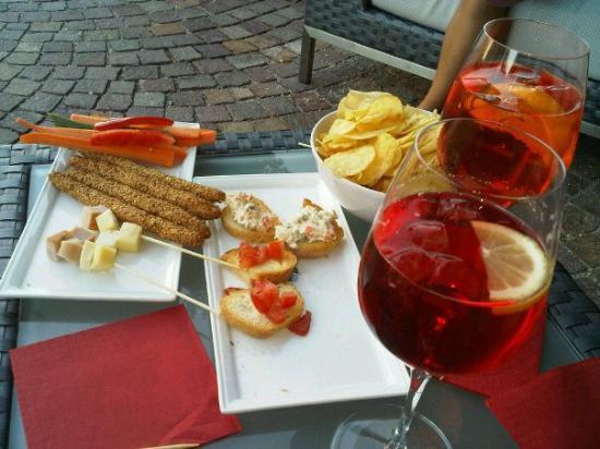 Mover Drink & Food: sprizt time con stuzzichini