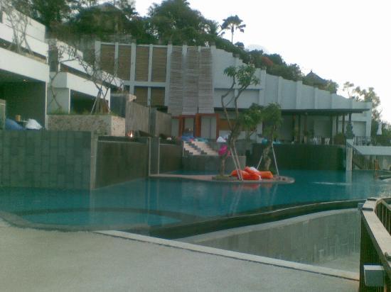 Anantara Uluwatu Bali Resort: kolam renang