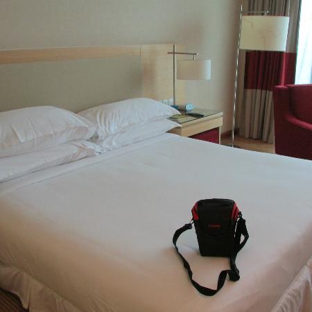 Century Kuching Hotel: Nice comfortable bed