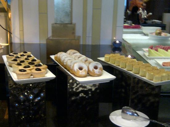 Century Kuching Hotel: Buffet Spread in Morning Breakfast 
