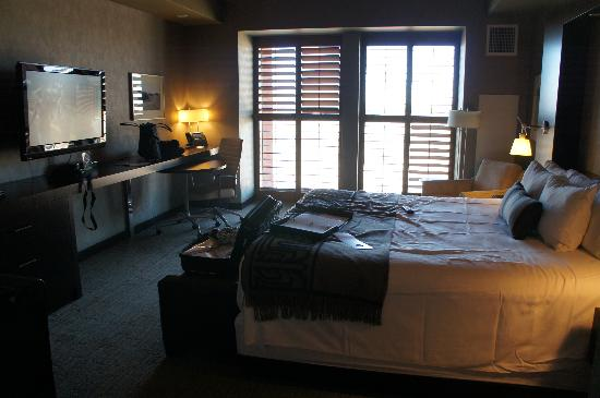 Talking Stick Resort: great room .... poor poor service