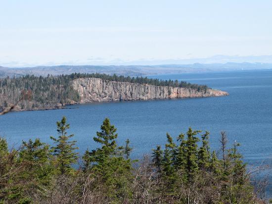 Minnesota's North Shore Scenic Drive: Superiors shoreline