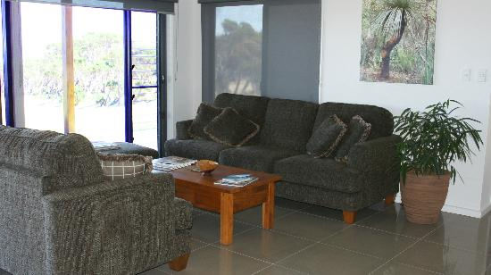 Blue Ray Lodge: Lovely lounge area available. Comfortable, cosy and wonderful views