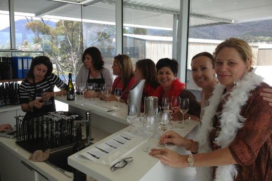 Wine Bar Mona : Wine club
