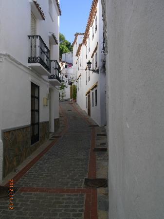 Hotel Rural Casares: Gatan där hotellet finns
