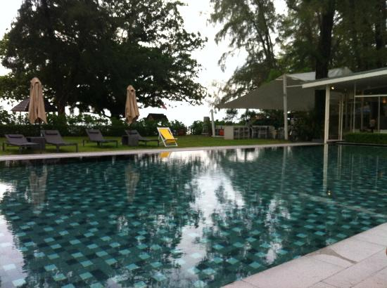 Lone Pine Hotel: Lovely swimming pool.