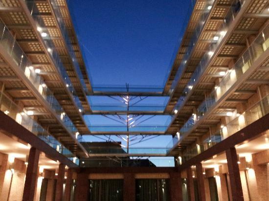 Amadi Park Hotel: entrance