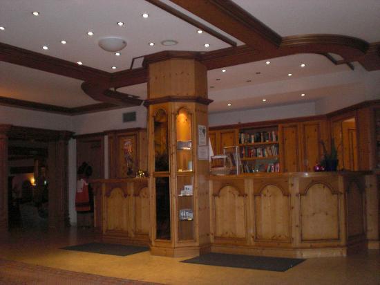 Burghotel Am Hohen Bogen : Hotelhalle