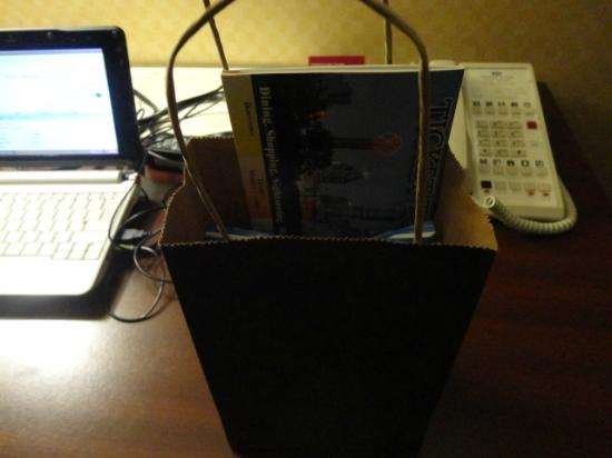 Crowne Plaza Hotel Dallas Downtown: Nice Gift Bag