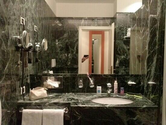 Parkhotel Laurin: il bagno