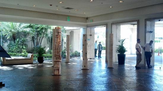 ريل إنتركونتينينتال سان سالفادور آت متروسنترو مول: lobby 