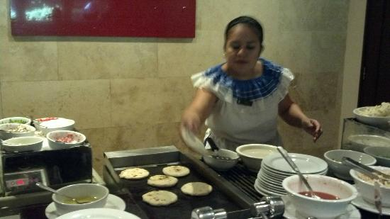 Real InterContinental San Salvador at Metrocentro Mall: pupusa