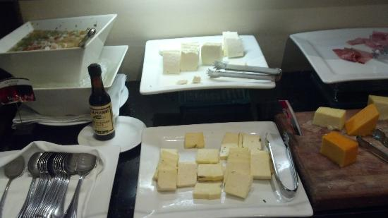 Real InterContinental San Salvador at Metrocentro Mall: cheese