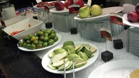 Real InterContinental San Salvador at Metrocentro Mall: fruits