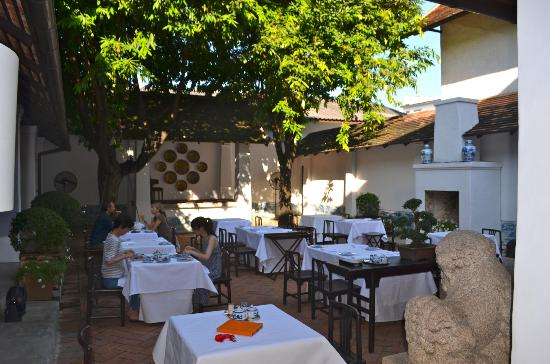 Rachamankha: Outdoor dining area