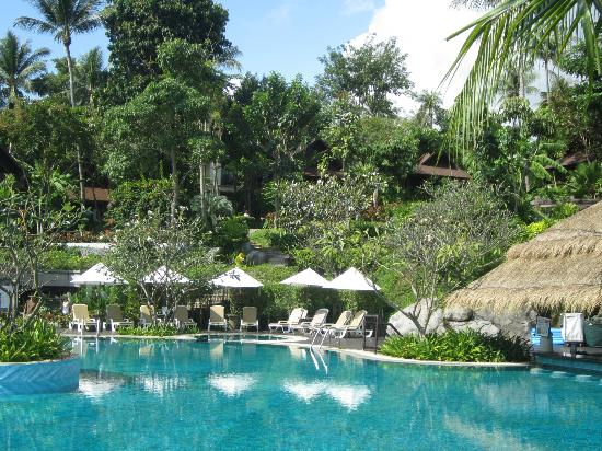 Nora Beach Resort and Spa: The Pool and Gardens