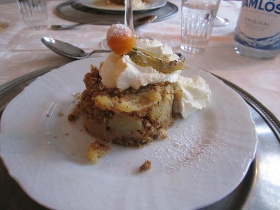 Rostanga Gastgivaregard AB: Rather dull dessert