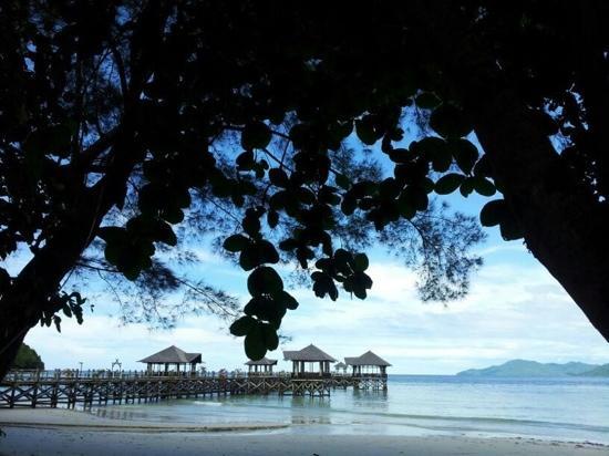 บุหงา รายา ไอแลนด์ รีสอร์ท: le port d'arrivée vu de la plage