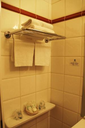 โฮเต็ล ดู ไคว โวลแทร์: Bathroom