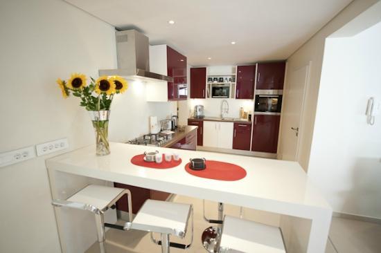 129 on Kloof Nek: Luxury Garden Apartment Kitchen