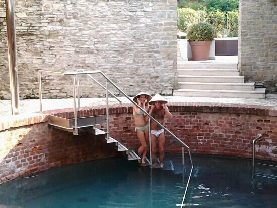 Vasca romana esterna con acqua termale bellissima kuva - Centro benessere porta romana milano ...