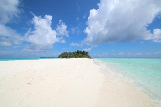 Kuramathi Island Resort: tip of the island