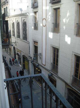 H10 Raco Del Pi: Las Ramblas shopping arcade