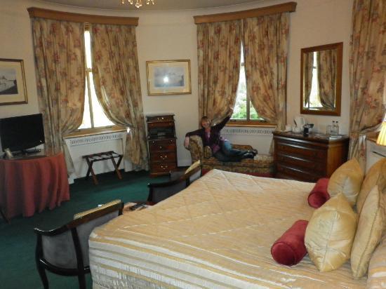 Enterkine House Hotel: Oval Room