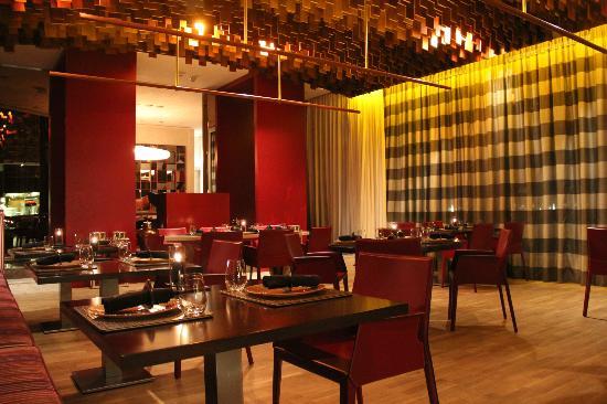 The St. Regis Doha : Astor Grill restaurant