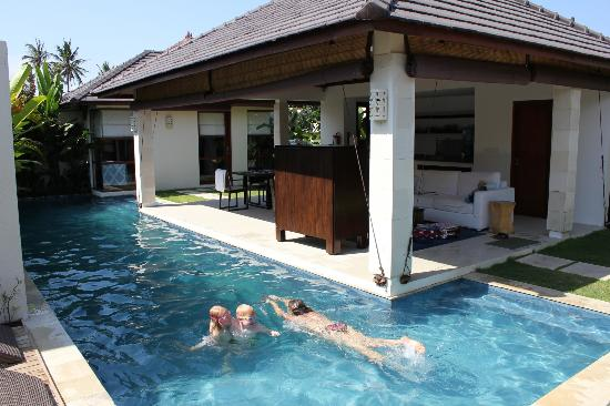 Arama Riverside Villas: Villa 11:- the pool - excellent