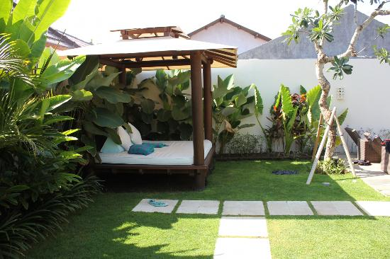 Arama Riverside Villas: Our own private garden