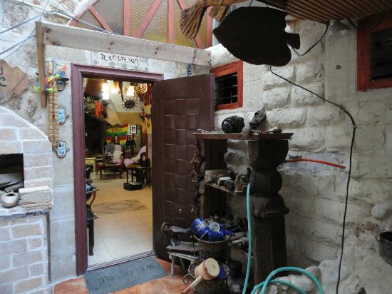 Akko Sand Hostel: Entrada del hotal