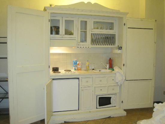 Hotel Mastino: Kitchenette