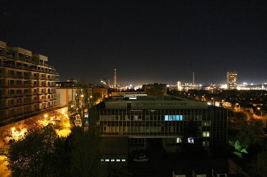Fortuna Rhea: Ночной вид