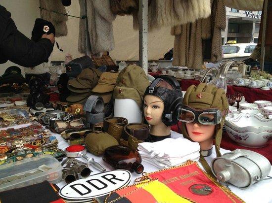 Strasse des 17 Juni Flea Market