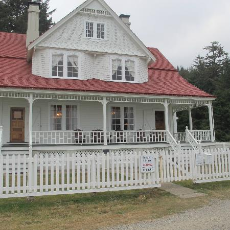 Heceta Head Lighthouse Bed and Breakfast: Front of B&B