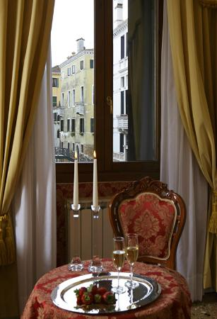 Al Palazzetto: View of the canal from one of my room