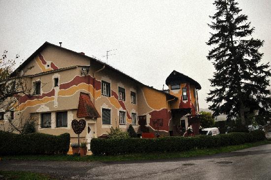Wirtshaus und Kunsthotel Malerwinkl