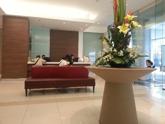Phachara Suites: Reception