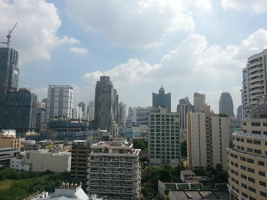 Phachara Suites: Daytime view from Executive Studio (16th Floor)