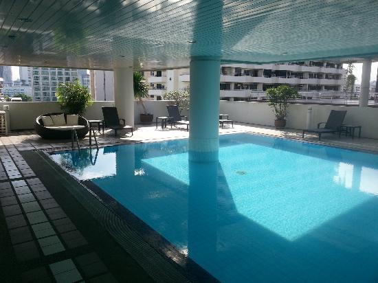 Phachara Suites: Pool Area - 8th Floor