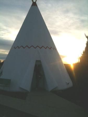 Wigwam Motel: At our wigwam