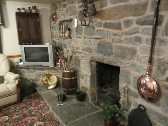 Holly Farm: Living room
