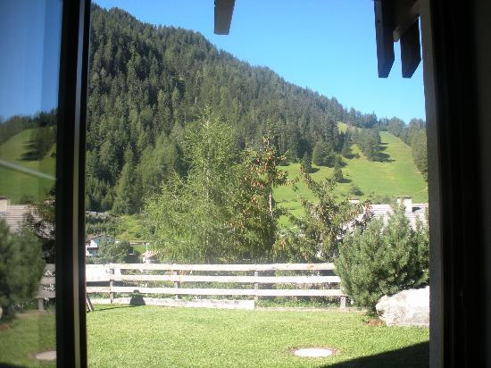 Aparthotel Arabella: dalla finestra della camera