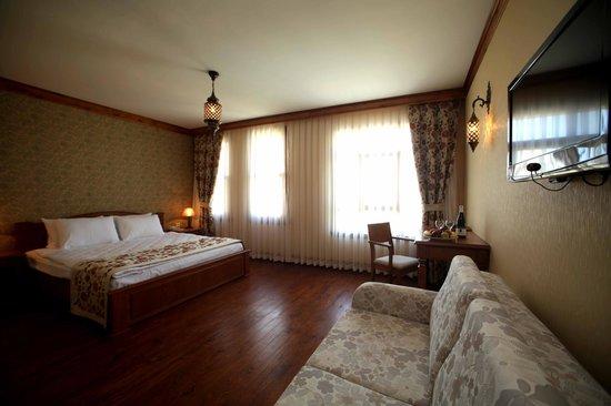 Lalinn Hotel : DELUXE ROOM