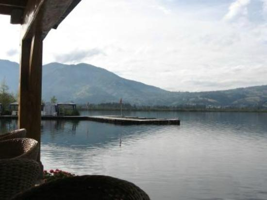 Hosteria Cabanas del Lago: Vista del Lago desde el comedor