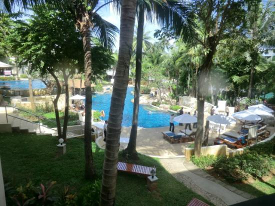 Horizon Karon Beach Resort & Spa: piscina