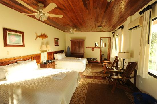 Crocodile Bay Resort: Deluxe Rooms built with local hardwoods, AC, Optional Jacuzzi